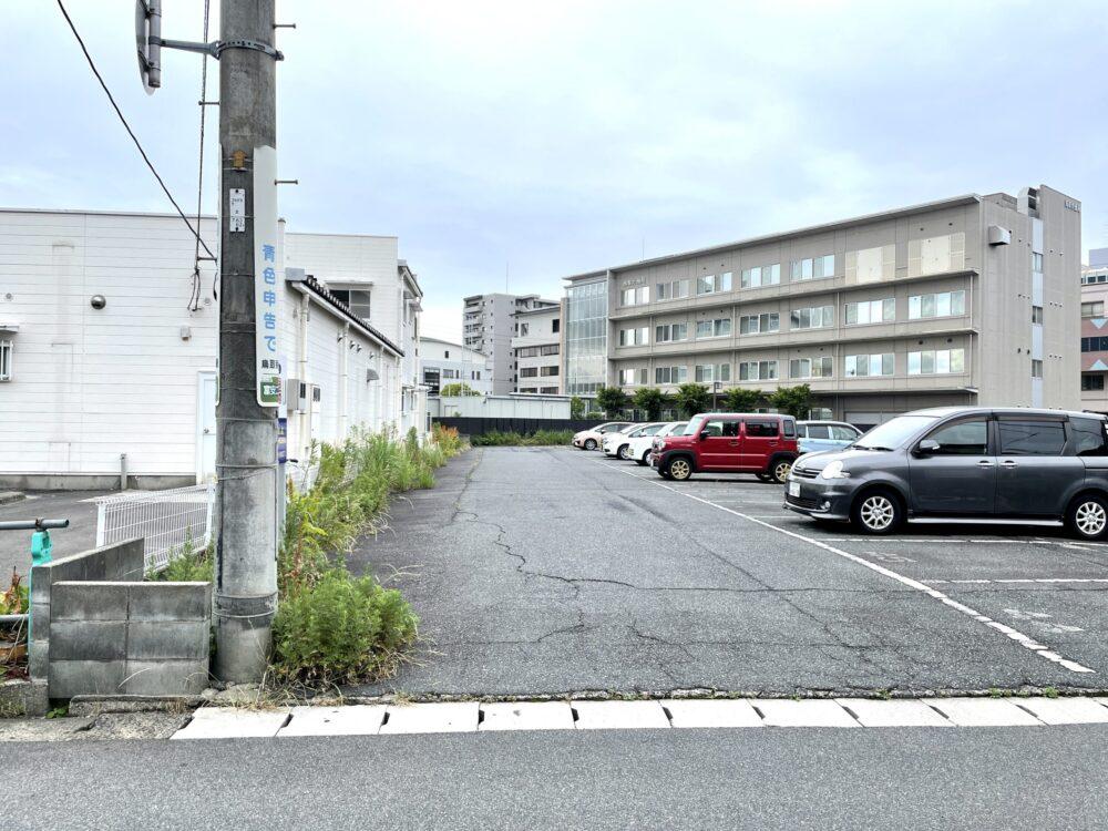 CUMIN駐車場04